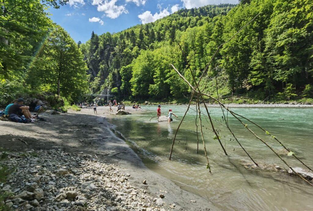 Der Entenlochklamm Strand beim Klobenstein in Kössen
