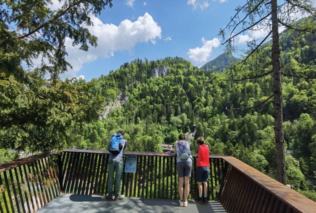 Die Aussichtsplattform am Schmugglerweg im Bereich Klobenstein